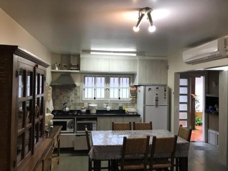 Sobrado 3 dormitórios em Capão Novo | Ref.: 1083
