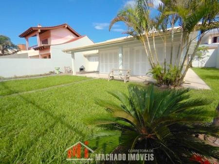Casa 4 dormitórios em Capão Novo | Ref.: 235