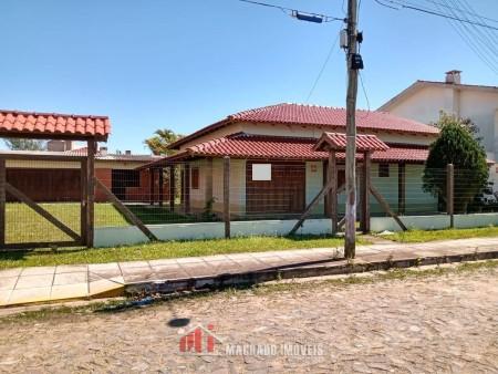 Casa 4 dormitórios em Capão Novo | Ref.: 2390