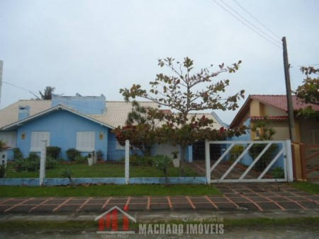 Casa 4 dormitórios em Capão Novo | Ref.: 887