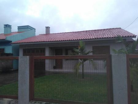 Casa 3 dormitórios em Capão Novo | Ref.: 923