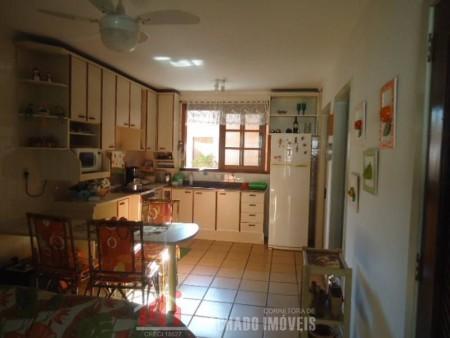 Sobrado 4 dormitórios em Capão Novo | Ref.: 990